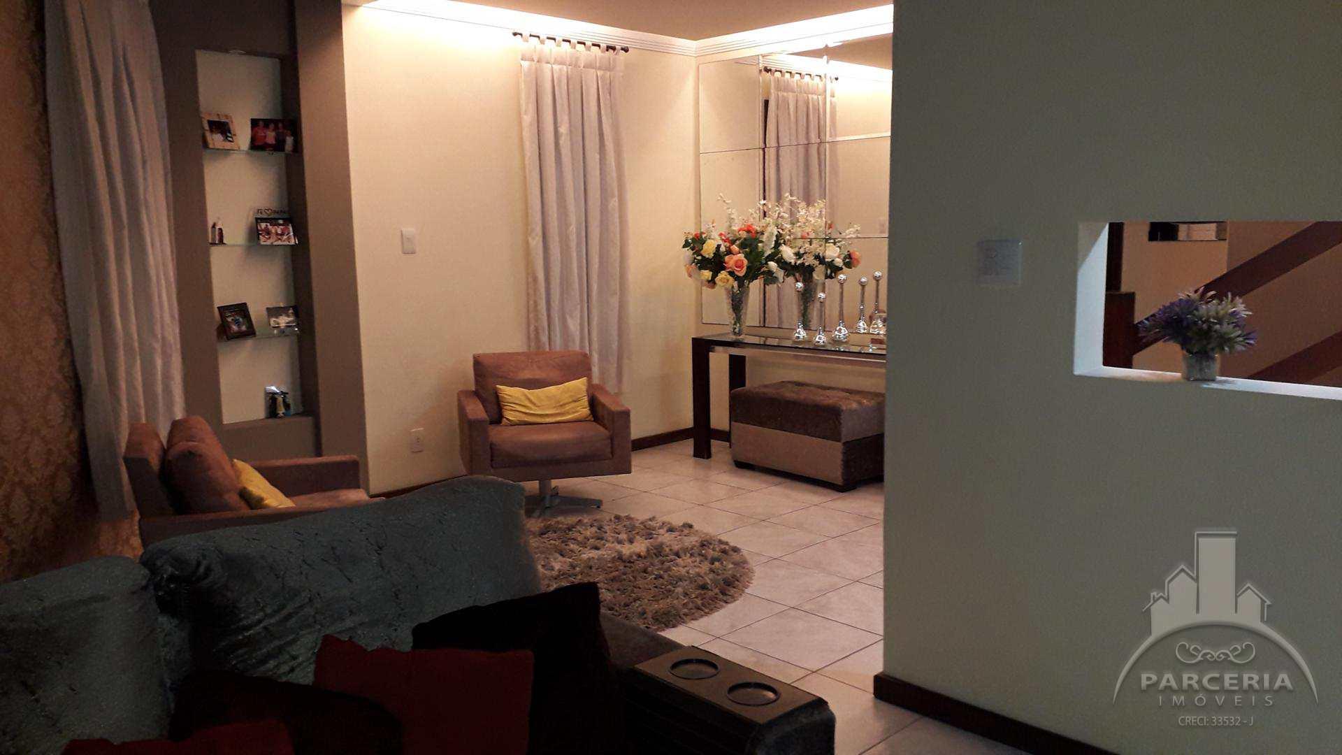 Sobrado com 3 dorms, Vila Nova, Cubatão - R$ 580 mil, Cod: 985