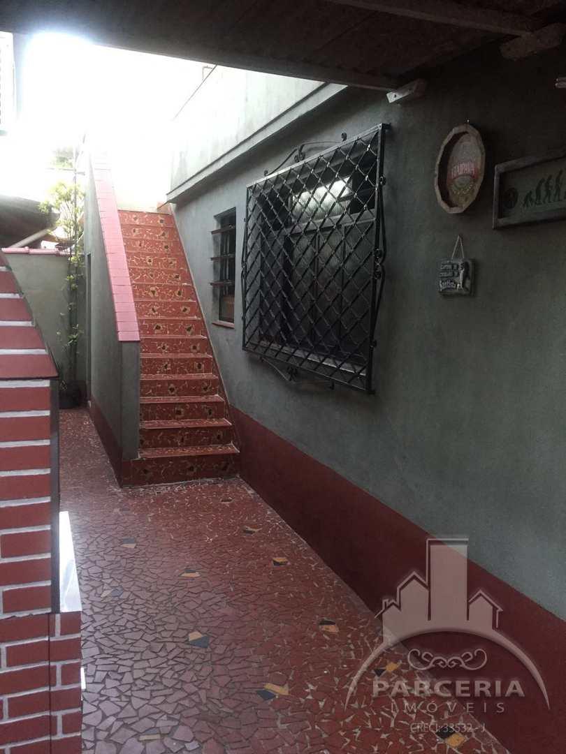 Casa com 3 dorms, Chico de Paula, Santos - R$ 475 mil, Cod: 995
