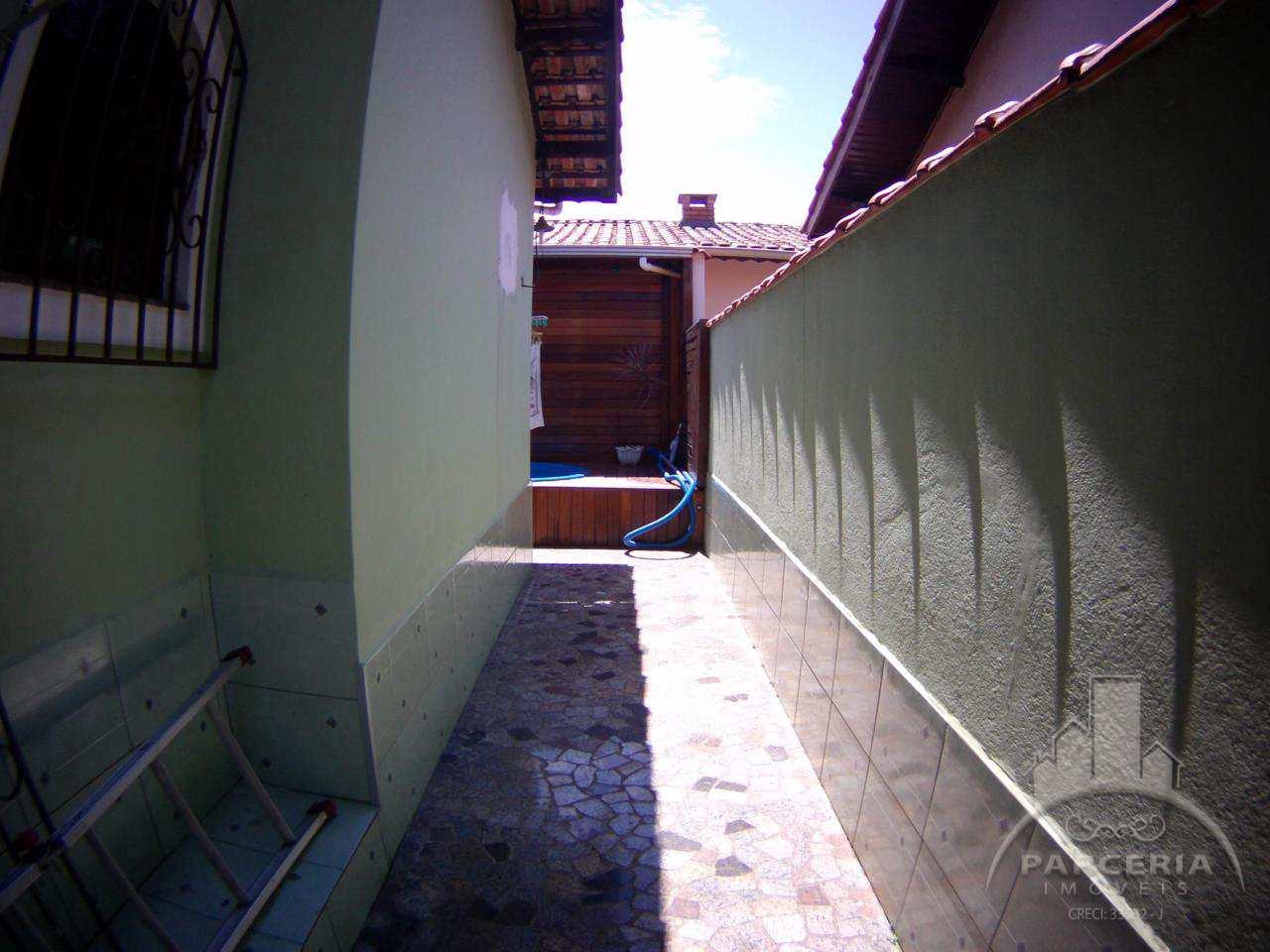 Casa com 3 dorms, Jardim Casqueiro, Cubatão - R$ 640 mil, Cod: 1218