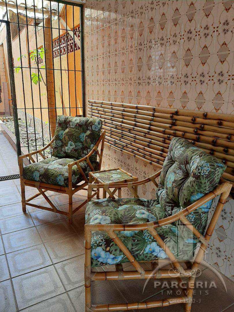 Casa com 2 dorms, Maracanã, Praia Grande - R$ 260 mil, Cod: 1226