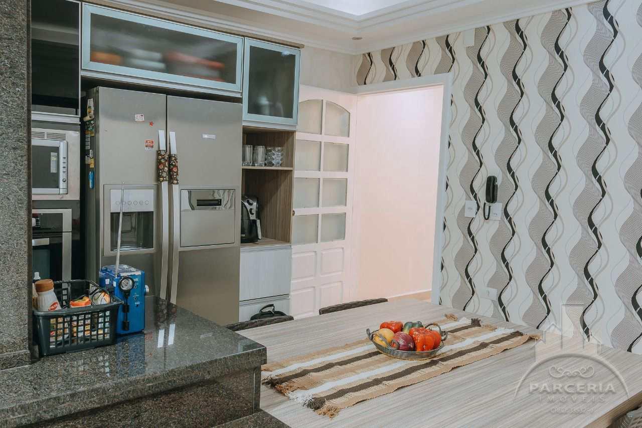 Sobrado com 3 dorms, Vila Ponte Nova, Cubatão - R$ 650 mil, Cod: 1341