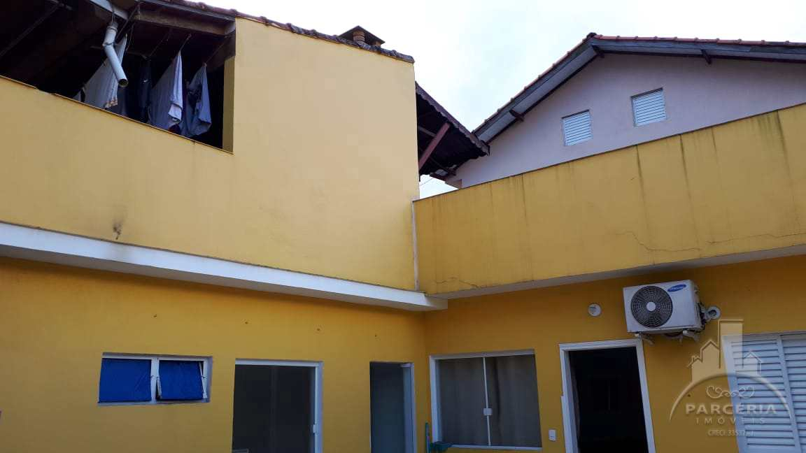Sobrado com 5 dorms, Vila Ponte Nova, Cubatão - R$ 550 mil, Cod: 1342