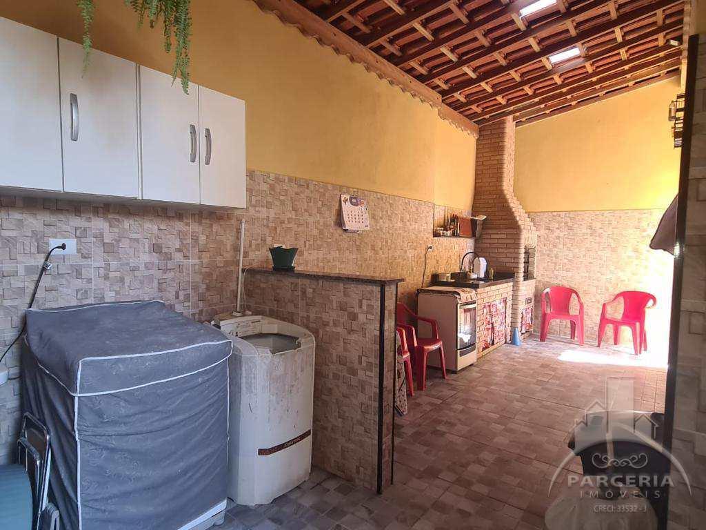 Sobrado com 2 dorms, Vila Cascatinha, São Vicente - R$ 650 mil, Cod: 1348