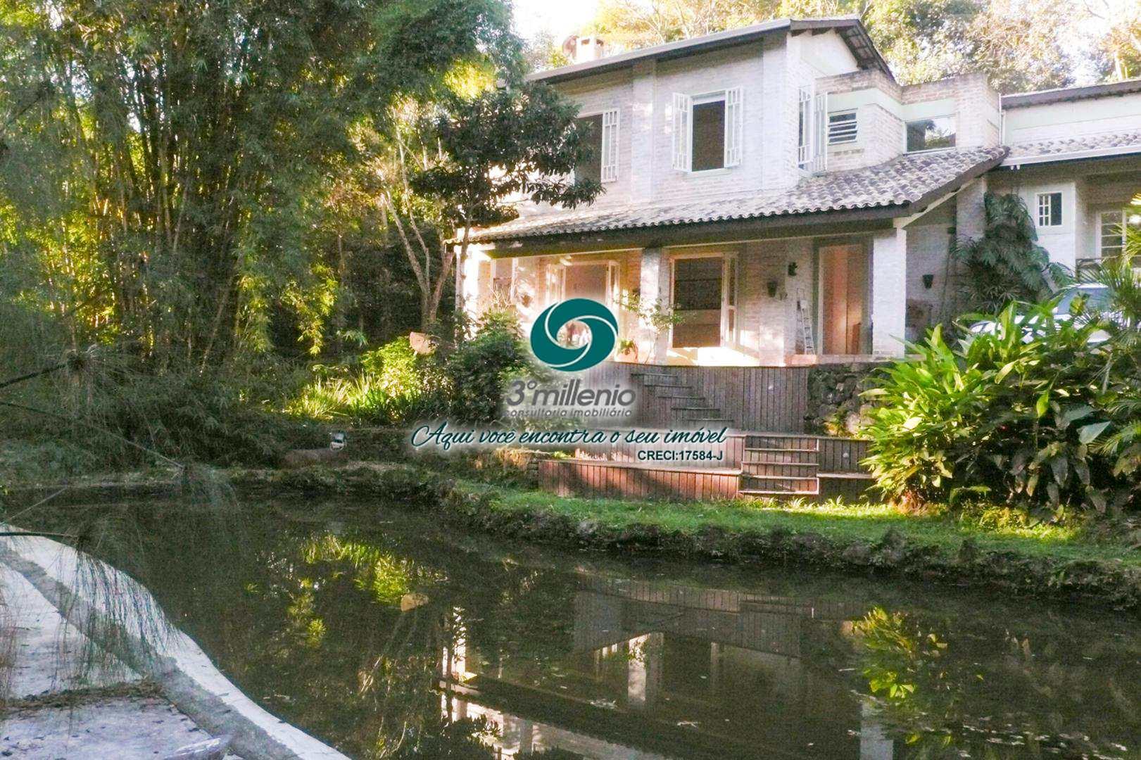 Casa com 2 dorms, Vila Real do Moinho Velho, Embu das Artes - R$ 1.2 mi, Cod: 1851