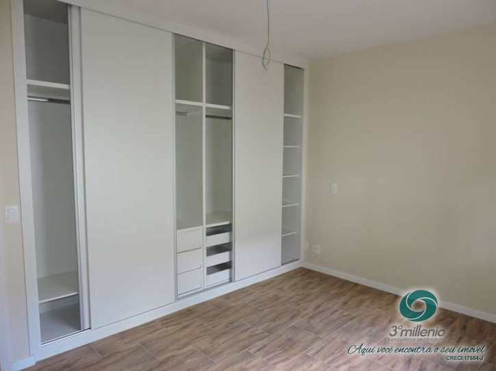 Casa com 4 dorms, Quinta das Jabuticabeiras, Cotia - R$ 1.3 mi, Cod: 691