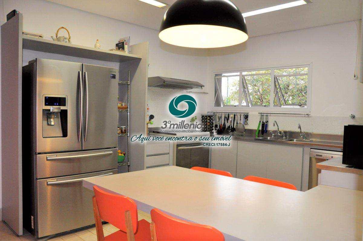 Casa com 7 dorms, Vila de São Fernando, Cotia - R$ 2.5 mi, Cod: 30402
