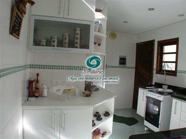Casa com 3 dorms, Terras do Madeira, Carapicuíba - R$ 670 mil, Cod: 30421