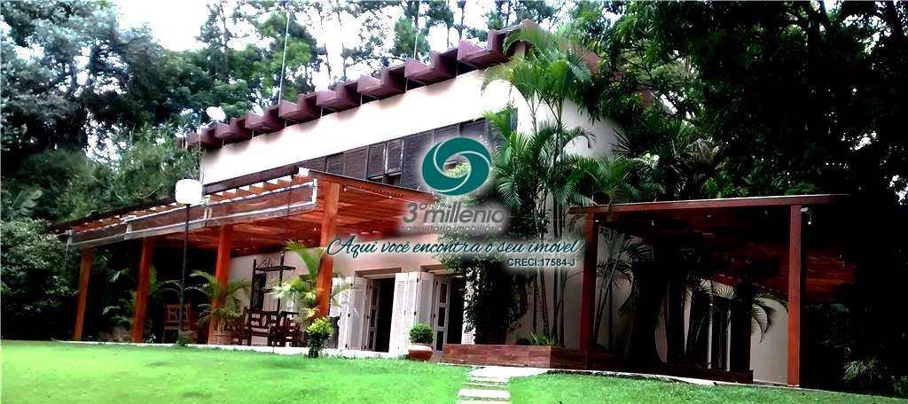 Belíssima Mansão a venda e locação na Fazendinha -Granja Viana