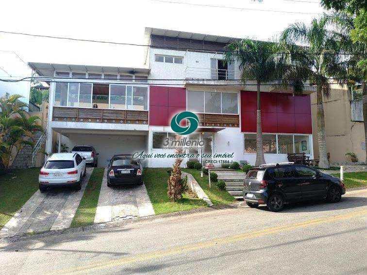 Casa de Condomínio com 5 dorms, Golf Gardens,  R$ 1.700.000,00