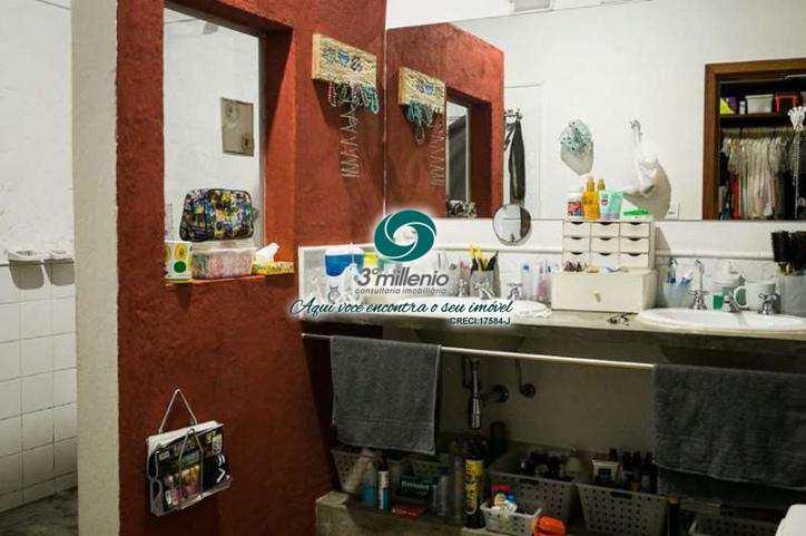 Casa com 3 dorms, Chácara Santa Lúcia, Carapicuíba - R$ 900 mil, Cod: 30448