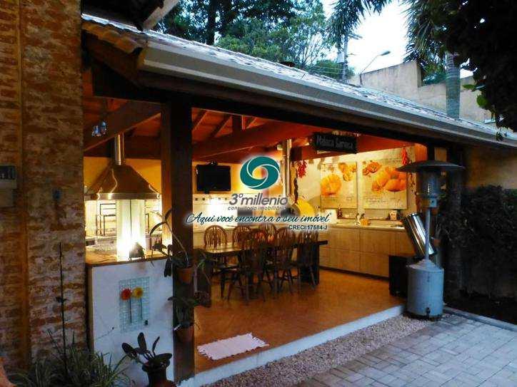 Casa com 4 dorms, Chácara Eliana, Cotia - R$ 1.75 mi, Cod: 30545