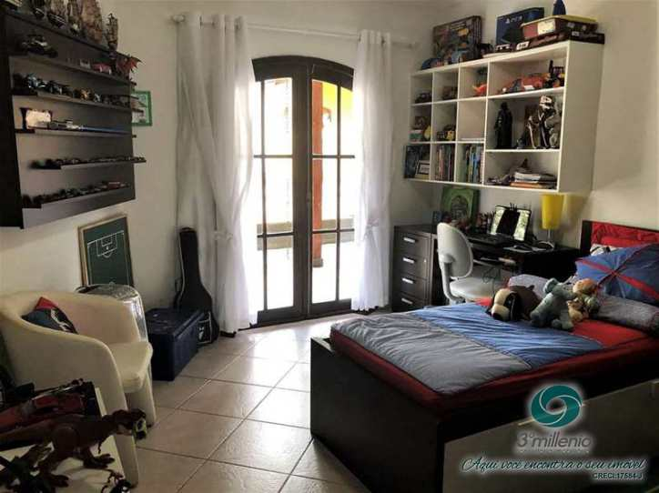 Casa com 4 dorms, Chácara São João, Carapicuíba - R$ 1.1 mi, Cod: 30634