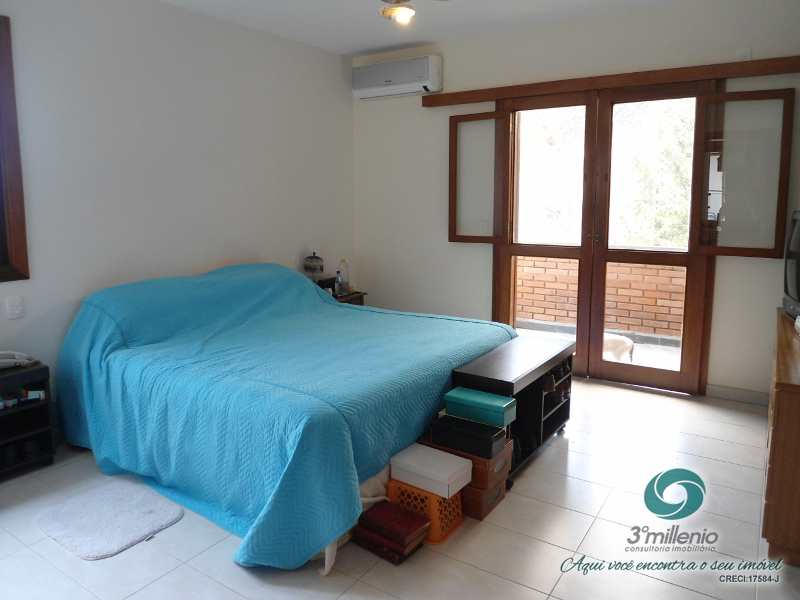 Casa com 4 dorms, Alphaville, Santana de Parnaíba - R$ 2.1 mi, Cod: 30638
