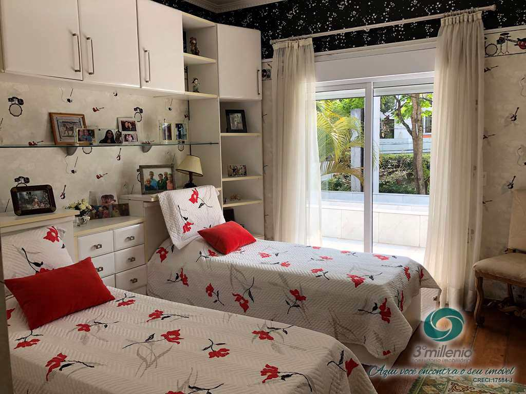 Casa com 5 dorms, São Paulo II, Cotia - R$ 3.2 mi, Cod: 30699