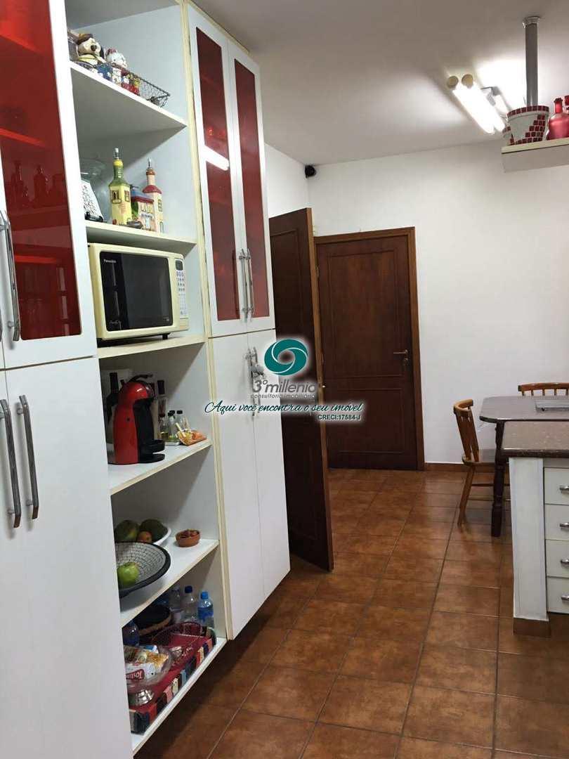 Casa com 4 dorms, Algarve, Cotia - R$ 1.65 mi, Cod: 30738