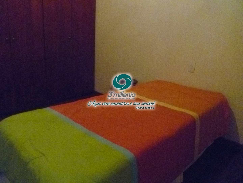 Casa com 4 dorms, Chácara dos Lagos, Carapicuíba - R$ 1.5 mi, Cod: 30773