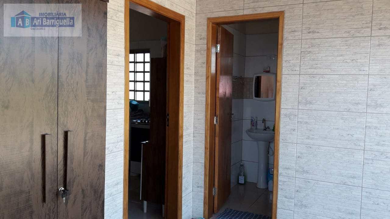 Chácara com 2 dorms, Centro, Regente Feijó - R$ 365 mil, Cod: 825