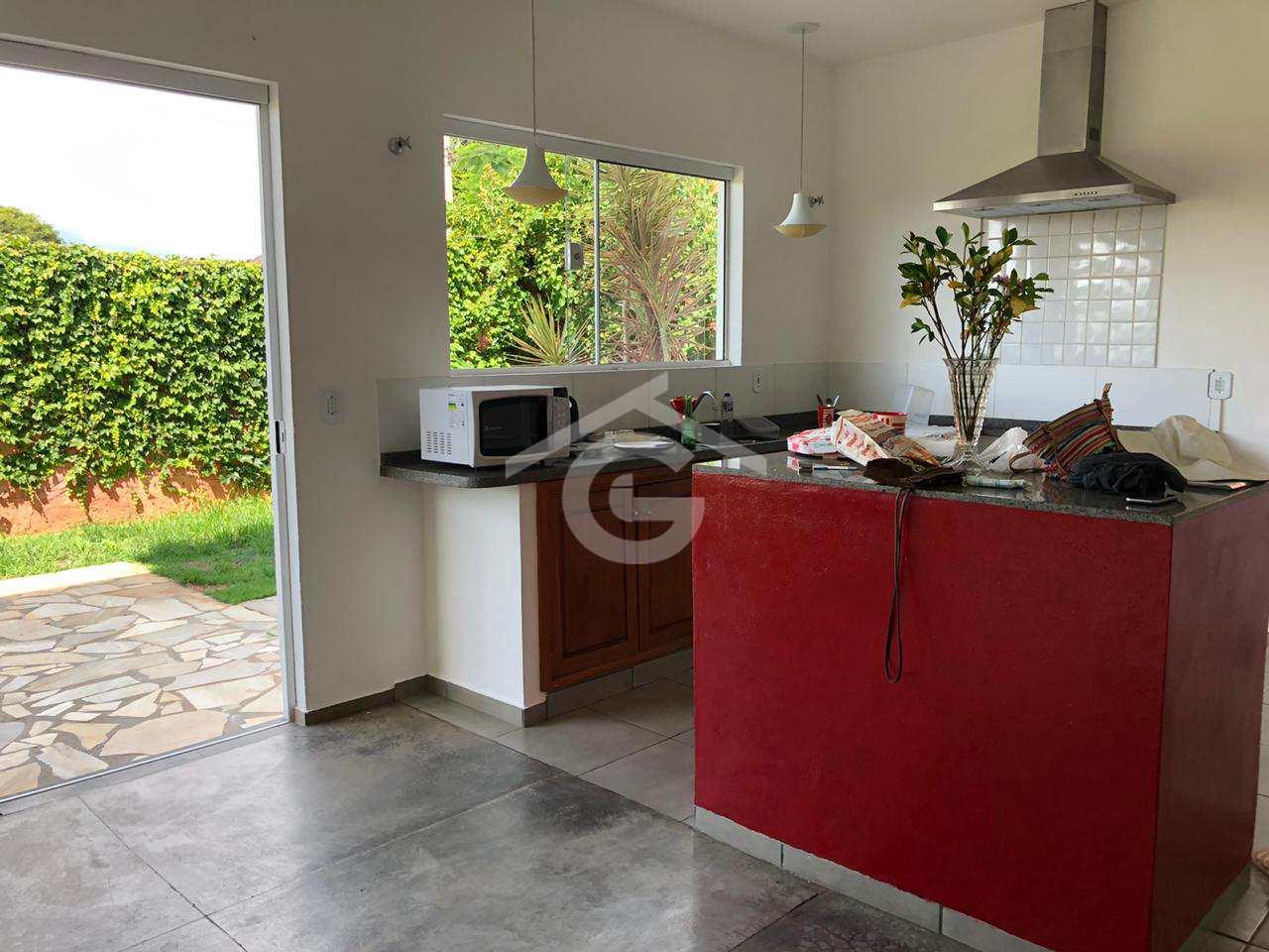Casa, Centro, Guararema - R$ 950 mil, Cod: 1584