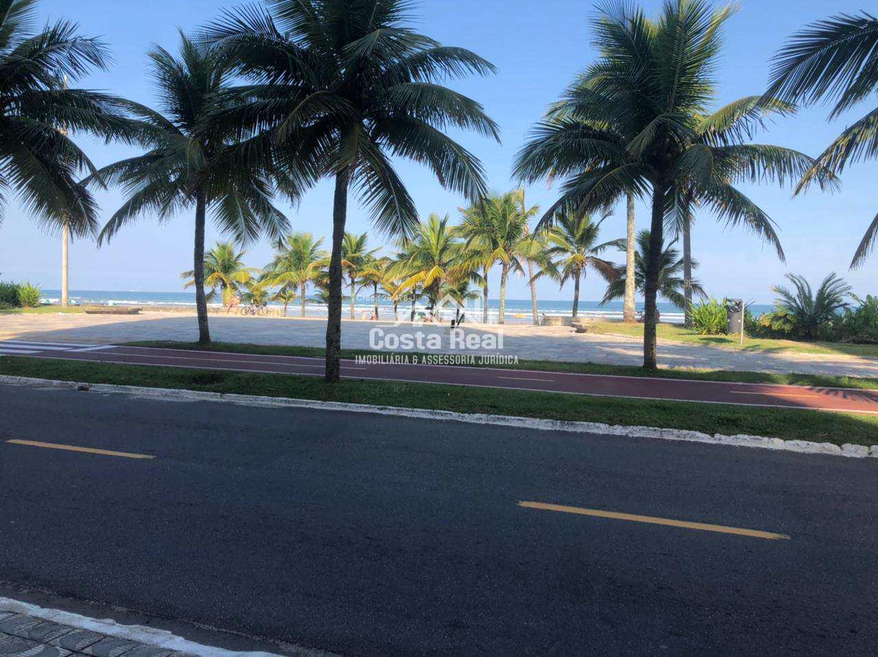 Oportunidade!! Prédio frente ao mar, e com área de lazer.