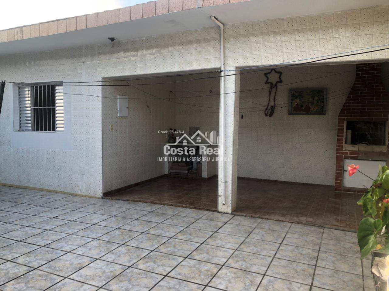 Casa isolada com 3 dormitórios 2º zona Praia Grande Confira .