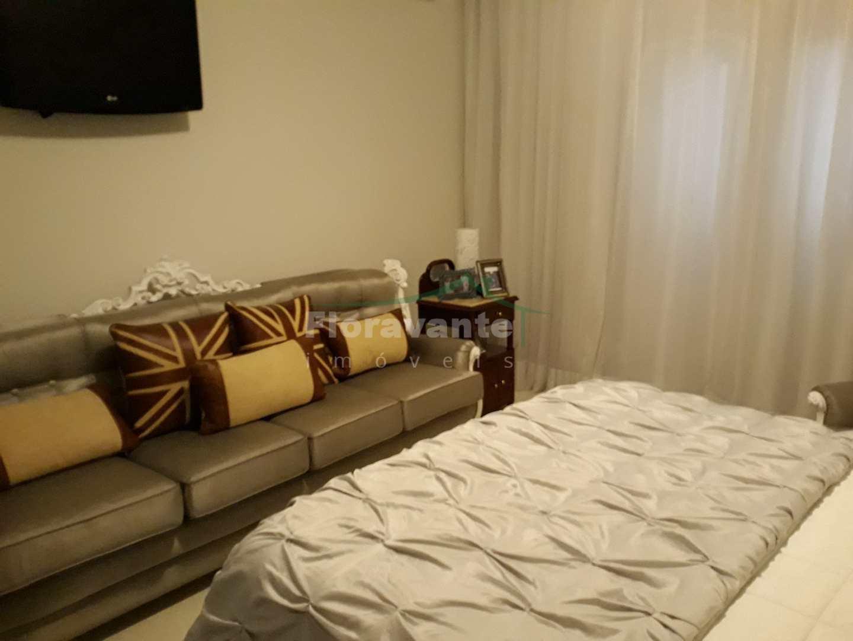 Lindo Sobrado com 4 dorms. (2 suítes) na Ponta da Praia, Santos