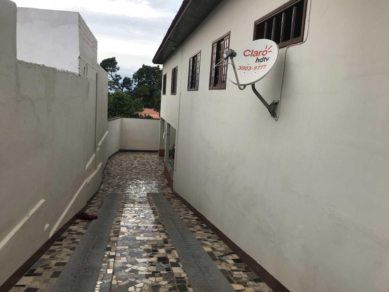 Casa com 3 dorms, Centro, Tatuí - R$ 380 mil, Cod: 242