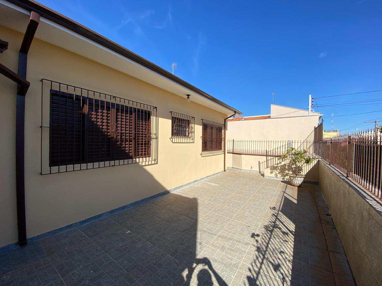 Casa com 4 dorms, Centro, Tatuí - R$ 1.2 mi, Cod: 258