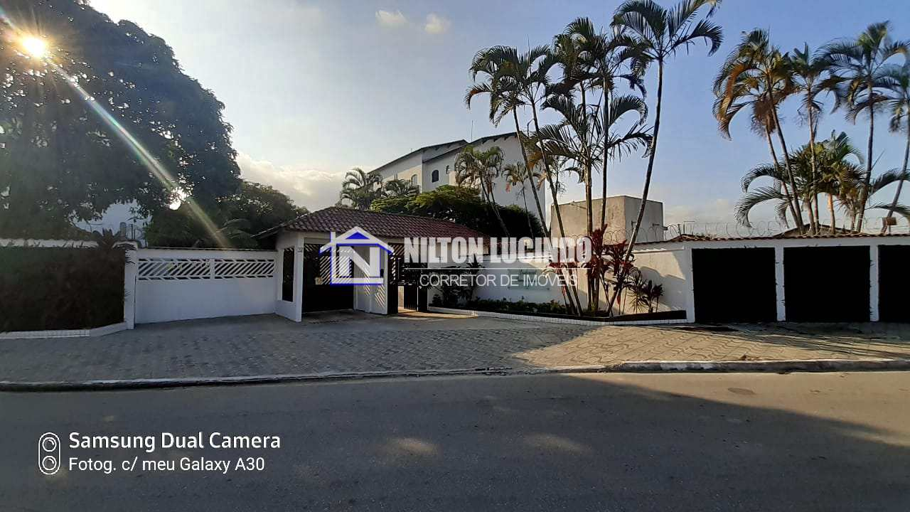 Apartamento com 2 dorms, Maracanã, Praia Grande - R$ 240 mil, Cod: 10247