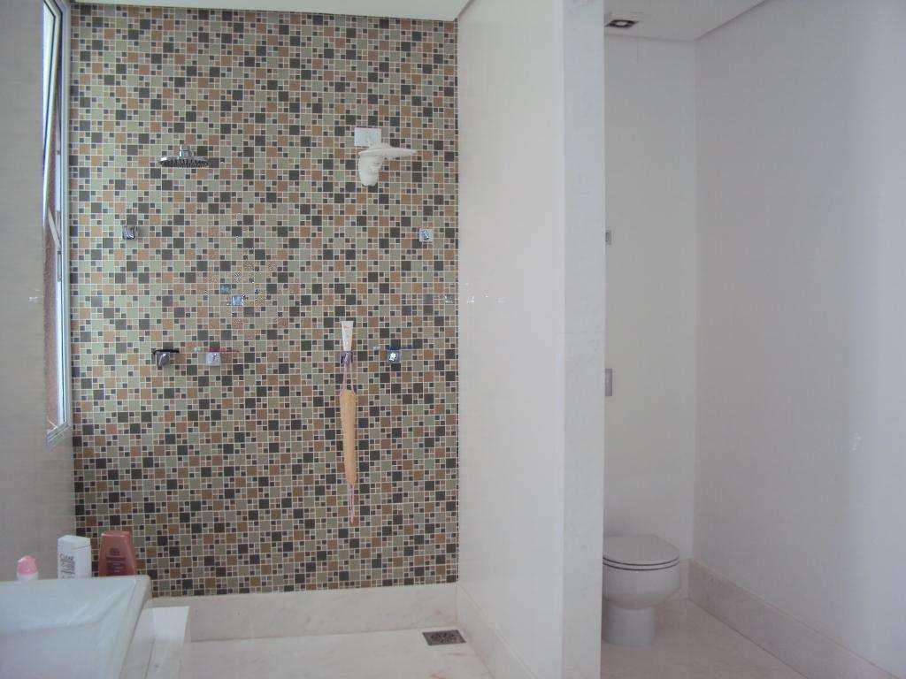 Casa de Condomínio Tamboré com 4 suítes e vista privilegiada