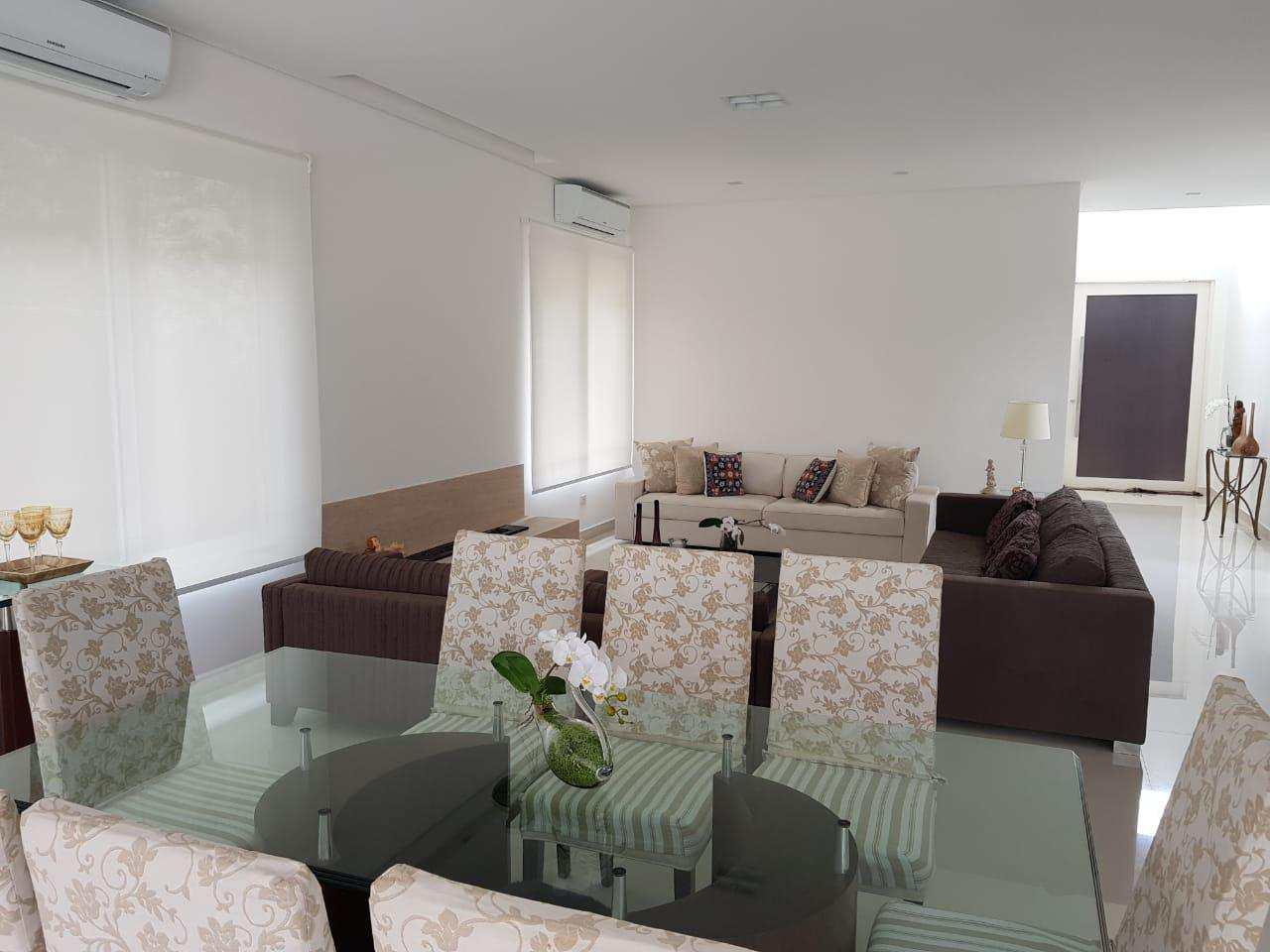 Casa de Condomínio com 4 suítes, lazer integrado