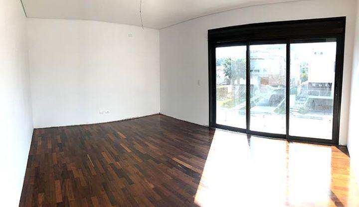 Casa de Condomínio com 4 suítes, nova e moderna em Tamboré
