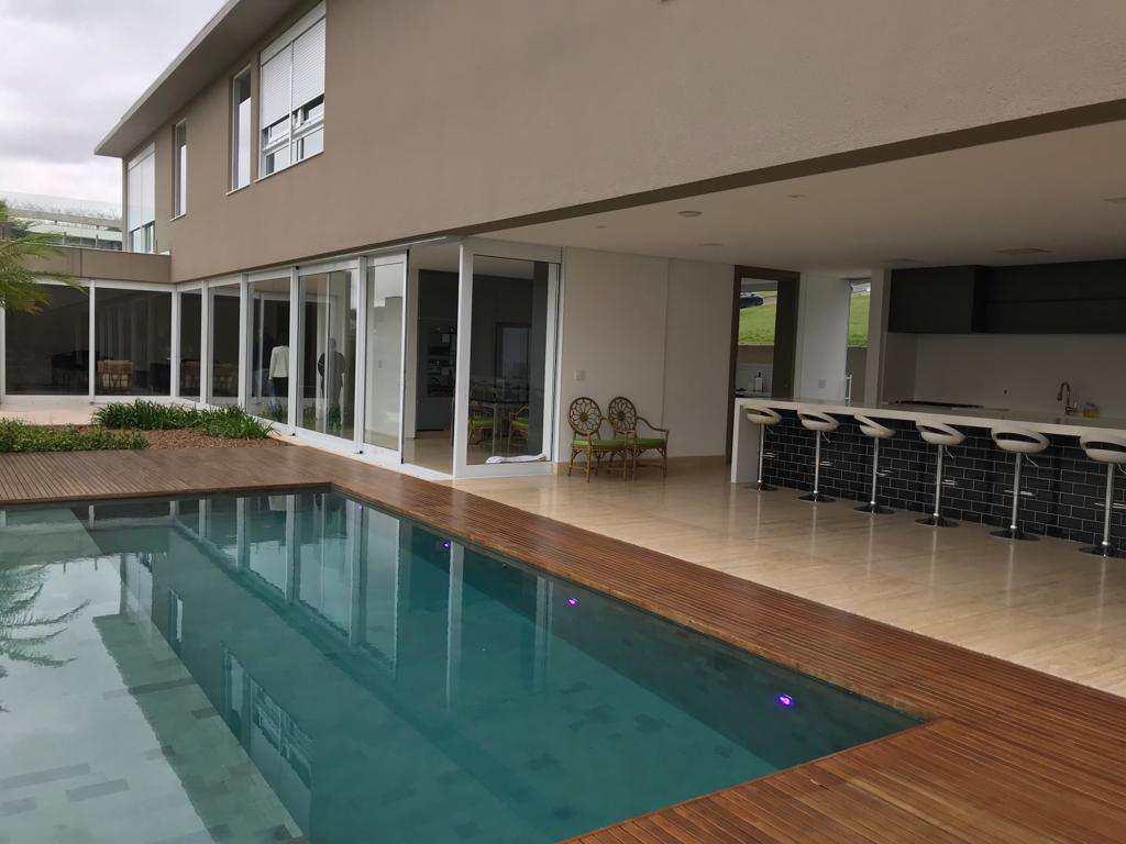Linda casa de condomínio Tamboré Alto Padrão com 4 suítes