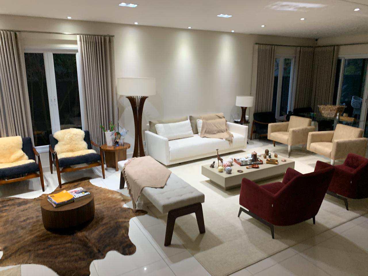 Casa de Condomínio Alphaville para venda com 4 suítes