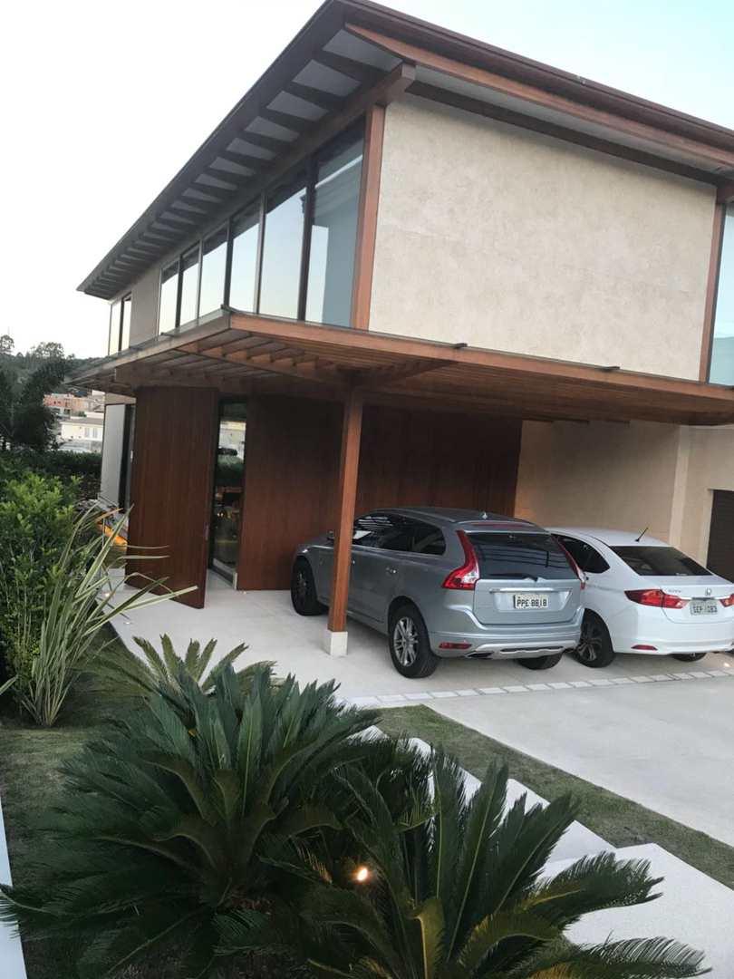 Casa de Condomínio Tamboré, 4 amplas suítes