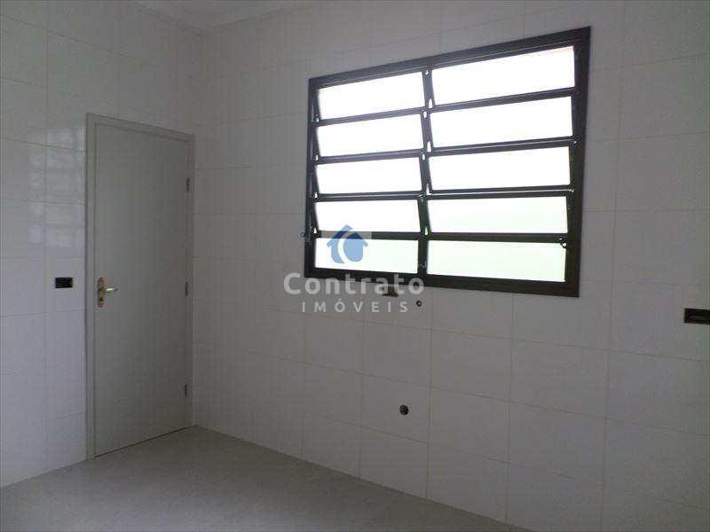 Casa com 2 dorms, Vila São Jorge, São Vicente - R$ 380 mil, Cod: 691