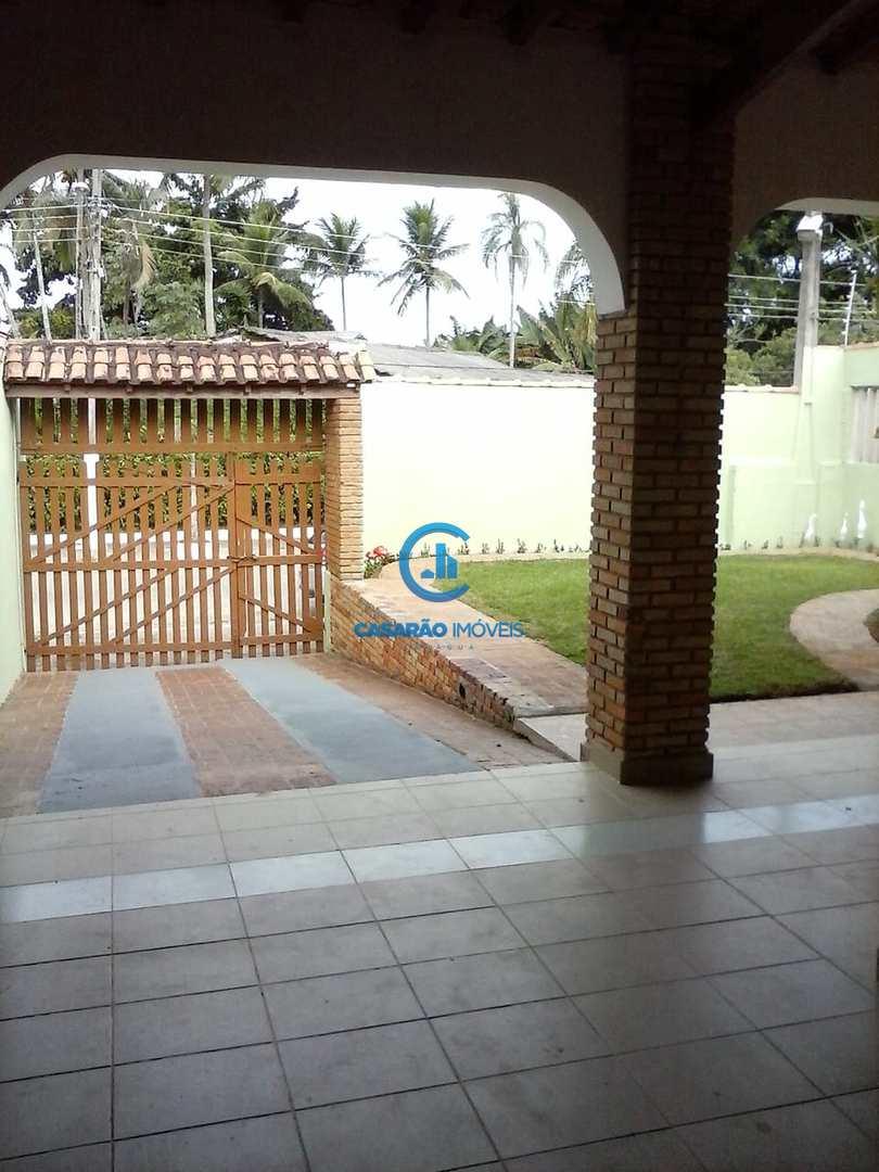 Casa com 4 dorms, Praia das Palmeiras, Caraguatatuba - R$ 350 mil, Cod: 1298