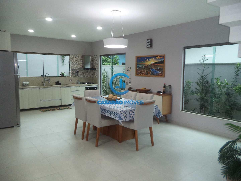 Casa com 3 dorms, Martim de Sá, Caraguatatuba - R$ 1.3 mi, Cod: 1049