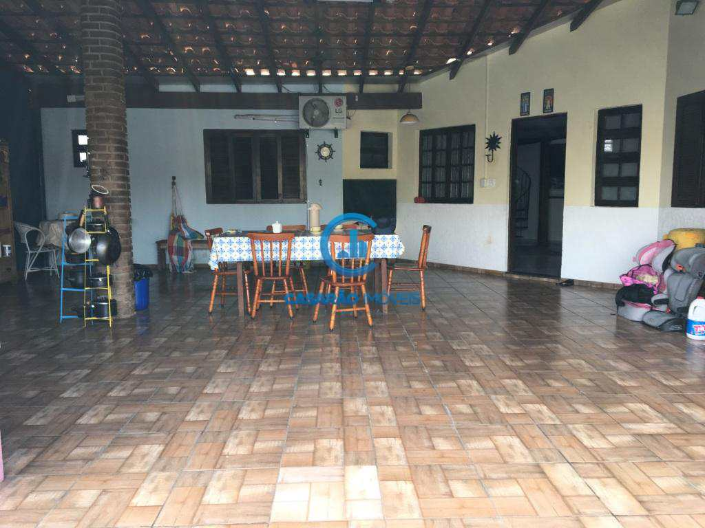 Sobrado com 3 dorms, Praia das Palmeiras, Caraguatatuba, Cod: 9091
