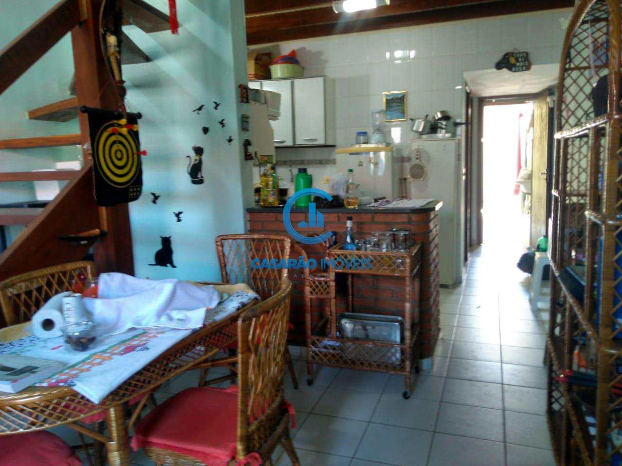 Casa de Condomínio com 2 dorms, Martim de Sá, Caraguatatuba - R$ 260 mil, Cod: 9102