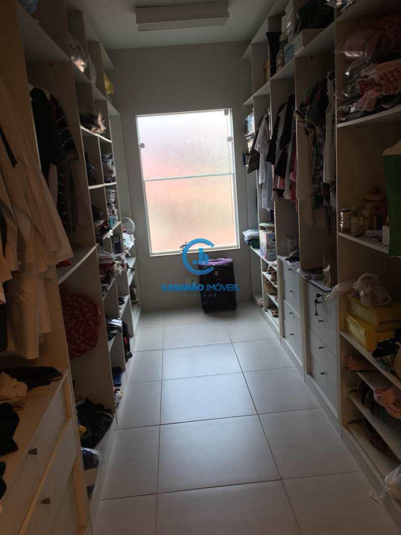 Sobrado com 5 dorms, Jardim Britânia, Caraguatatuba - R$ 1.2 mi, Cod: 9142