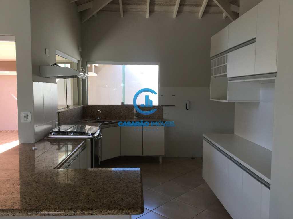 Casa com 3 dorms, Martim de Sá, Caraguatatuba - R$ 700 mil, Cod: 9166
