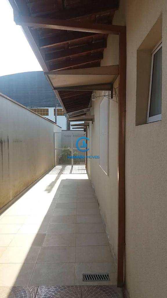 Casa com 3 dorms, Poiares, Caraguatatuba - R$ 470 mil, Cod: 9206