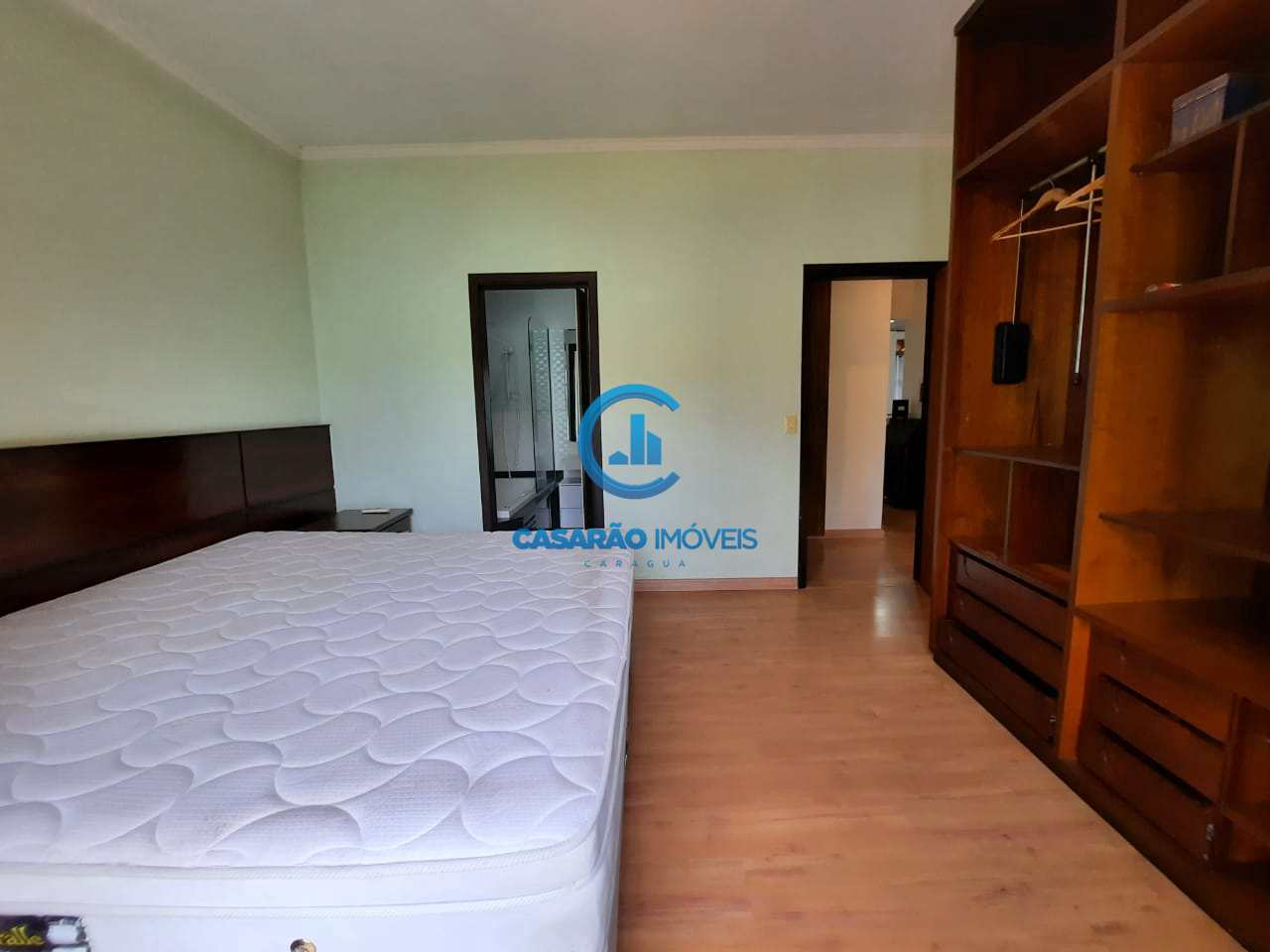 Casa com 4 dorms, Jardim Britânia, Caraguatatuba - R$ 1.35 mi, Cod: 9222