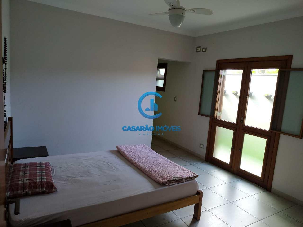 Casa com 6 dorms, Jardim Britânia, Caraguatatuba - R$ 1.3 mi, Cod: 9223
