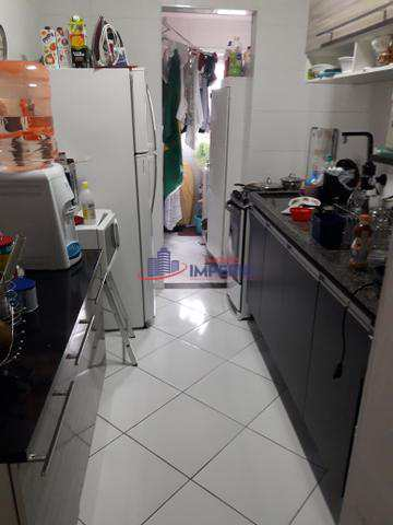 Apartamento com 3 dorms, Vila Galvão, Guarulhos - R$ 300 mil, Cod: 4042