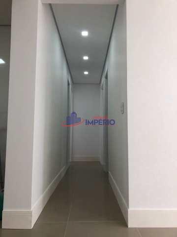 Apartamento com 3 dorms, Centro, Guarulhos - R$ 371 mil, Cod: 6890