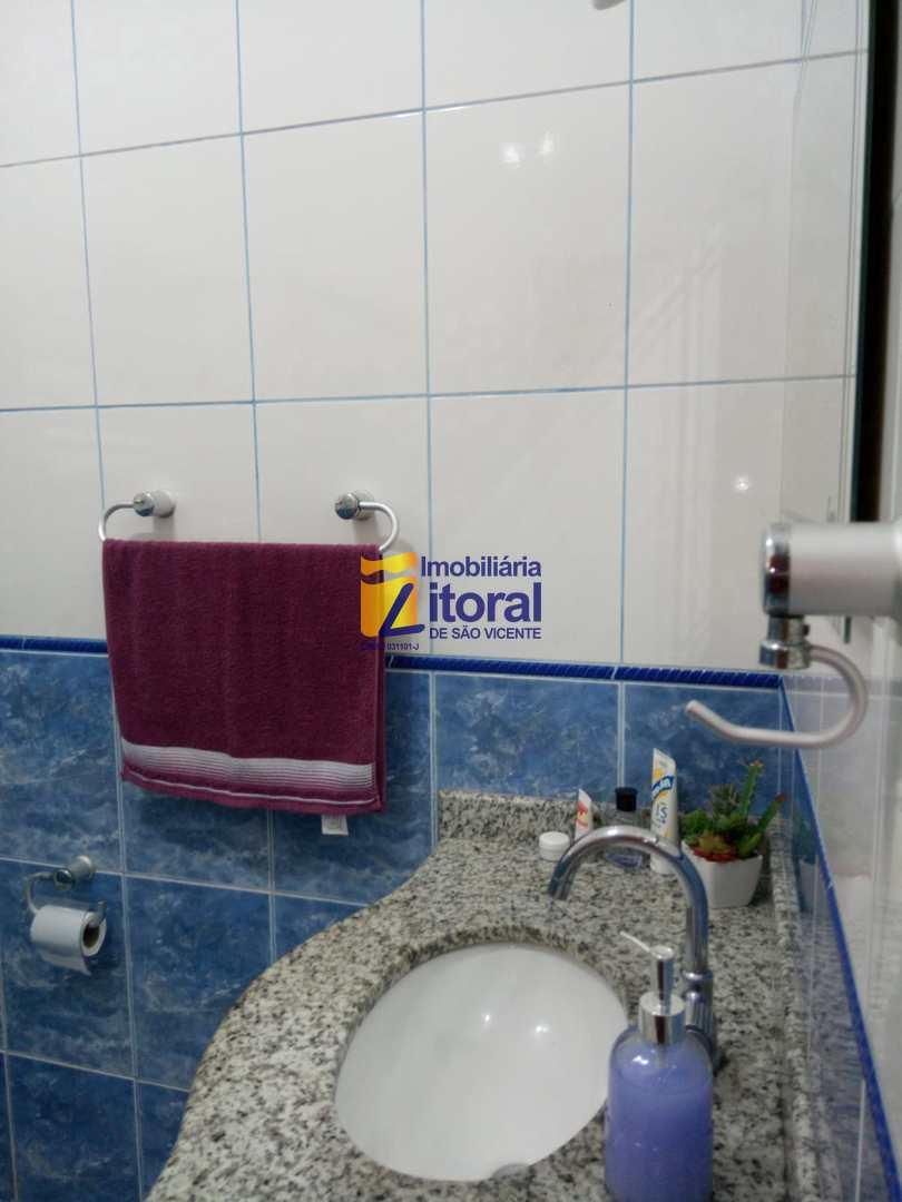 Casa com 2 dorms, Parque Bitaru, São Vicente - R$ 380 mil, Cod: 384