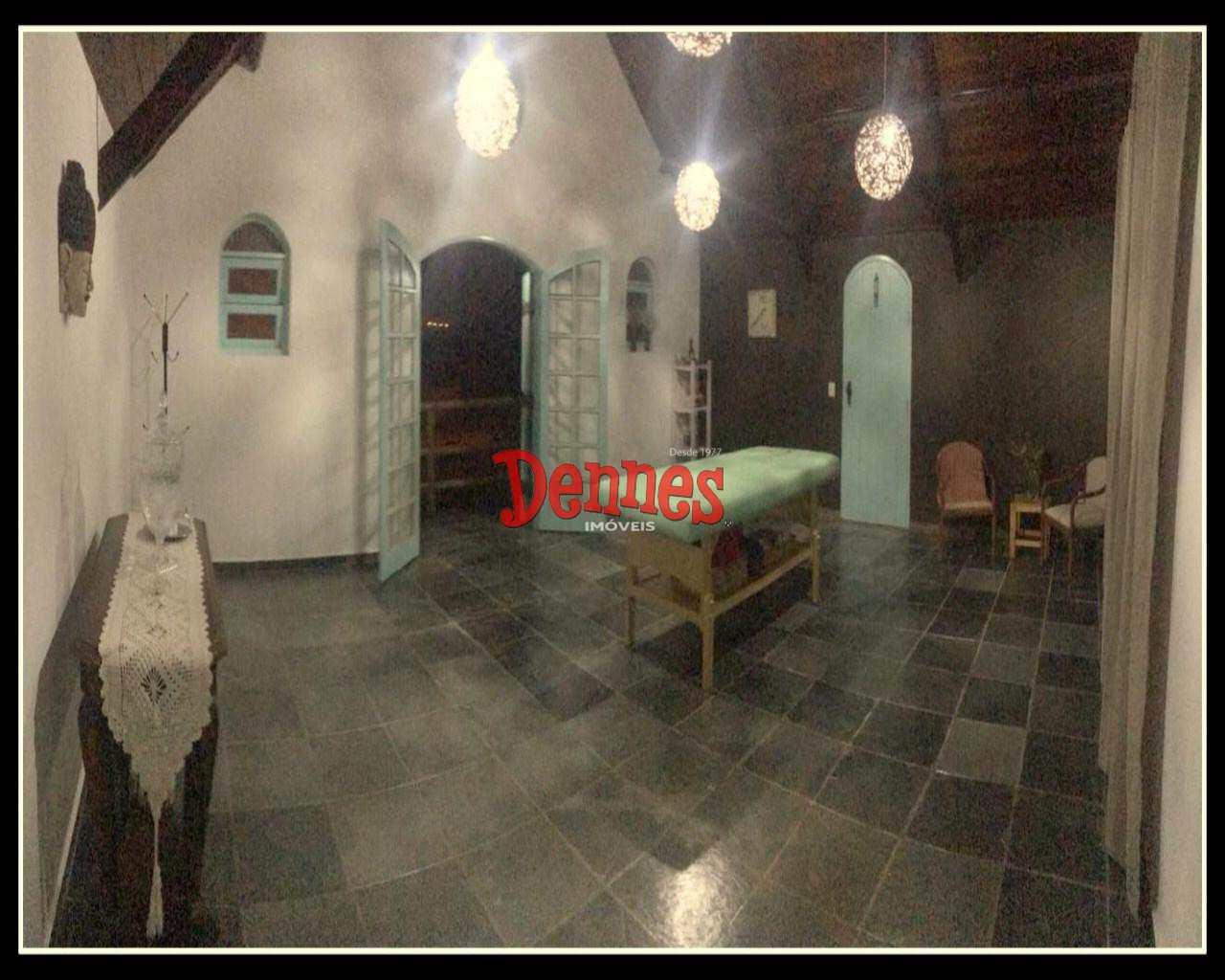 Casa com 4 dorms, Lagos de Santa Helena, Bragança Paulista - R$ 710 mil, Cod: 403