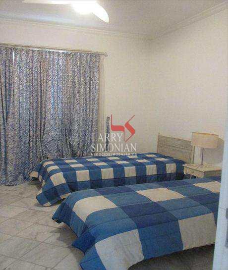Apartamento em Guarujá bairro Pitangueiras