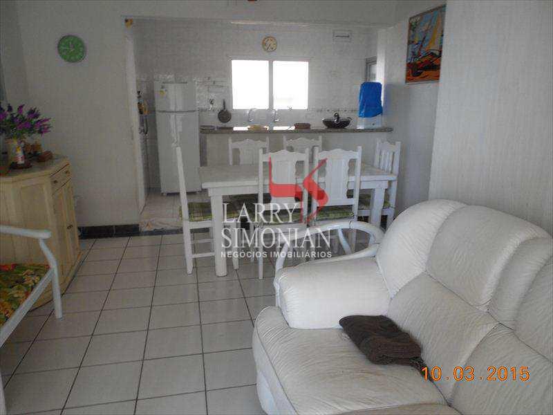 Excelente apartamento na praia das Astúrias.